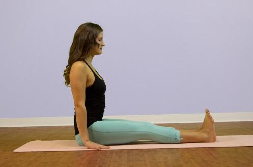 Yoga e mal di schiena: video di posizioni per dirgli addio DEFINITIVAMENTE