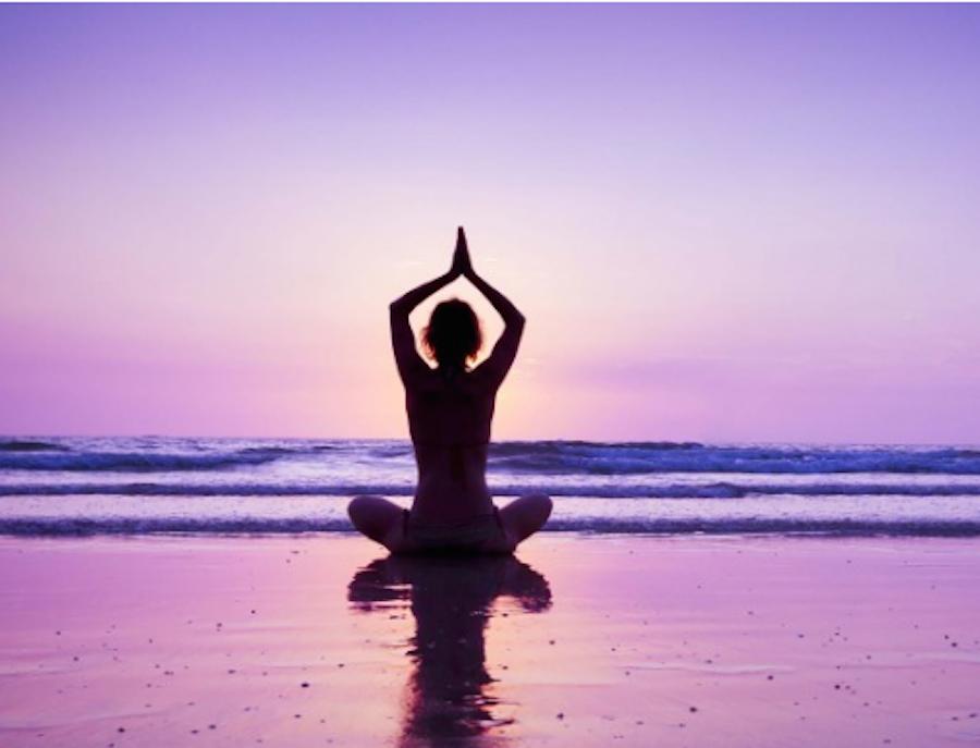abbastanza Yoga in spiaggia? Scopri i benefici e le posizioni migliori NX93