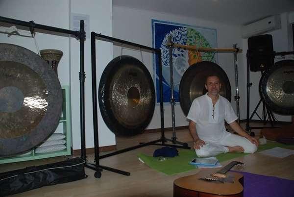 Corso di formazione per operatori di bagno di gong e - Bagno di gong effetti negativi ...
